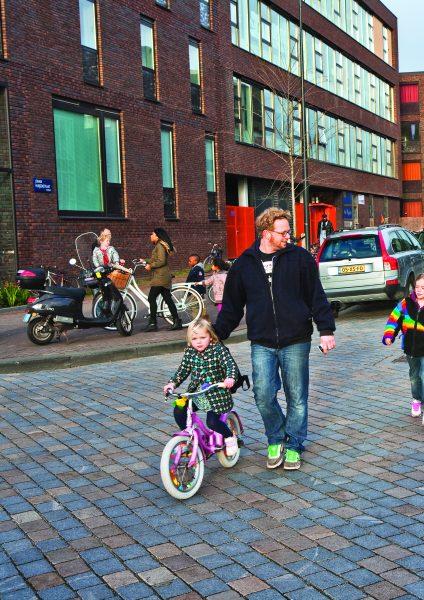 IJburg_kind fiets